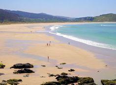 Playa Esmelle situada en Ferrol, A Coruña. Esta playa comparte lecho con la playa de San Jorge, separándose por el arroyo de O Xuncal