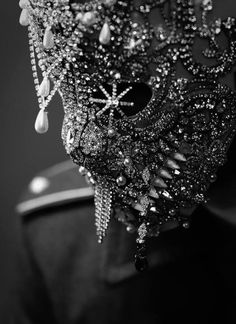 """Hannibal"" Crystal Mask Detail by Atelier Lorand Lajos / Thomas Sing Photography Foto Fashion, Dark Fashion, Hannibal Mask, Black Mode, Art Bizarre, Cyberpunk, Fashion Mask, Masks Art, Black N White"