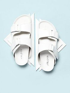 The Two Points Footbed is perfect for summer! #freepeople #jslides