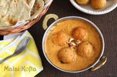 Malai Kofta Masala is a famous North Indian gravy of fried paneer and potato dumplings swimming in a delicious tomato based cream sauce. Indian Side Dishes, Indian Flat Bread, Masala Curry, Indian Curry, Indian Food Recipes, Punjabi Recipes, Vegetable Recipes, Curry Recipes, The Fresh