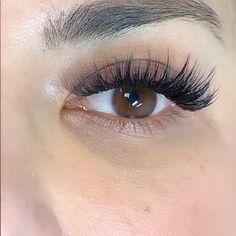 Whispy Lashes, Fake Lashes, False Eyelashes, Diy Beauty Makeup, Eye Makeup, How To Draw Eyelashes, Eyelash Extensions Styles, Eyelash Serum, Magical Makeup