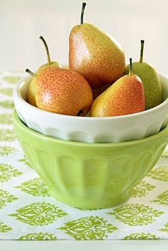 . Pear Blossom, Pear Fruit, Kinds Of Fruits, Pear Trees, Fruit Of The Spirit, Cooking Equipment, Red Apple, Fruits And Vegetables, Farmers Market
