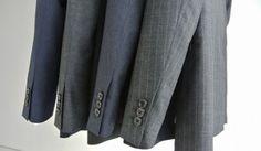 2014年秋冬、ロンドン本店の名を冠したダンヒルのアイコン「ボードン」レザーコレクションに、コントラストカラーが特徴的な「ボードン バイカラー」が仲間入り。そのなかから、コンパクトなボディに十分な収納力を備えた「スリム シングルジップ ブリ