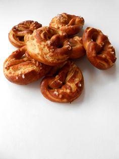 teljes kiőrlésű isteni bajor perec recept - sugarfree dots Onion Rings, Sugar Free, Shrimp, Meat, Ethnic Recipes, Food, Eten, Meals, Onion Strings
