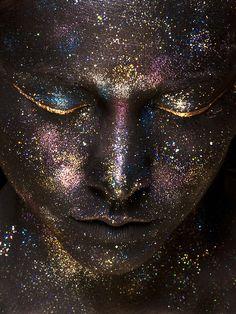 El síndrome kundalini es un conjunto de perturbaciones psíquicas y somáticas que pueden ser confundidas con la enfermedad física o mental. Las enseñanzas arcanas del kundalini yoga se hallan tan alejadas de los modelos de realidad occidentales que el mejor modo de explicarlas es recurriendo a los conceptos hindúes originales... http://visionannuk.blogspot.com.es/2014/03/el-sindrome-kundalini.html