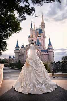 Fairy tales begin here. Start planning your Walt Disney World wedding today.