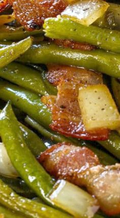 Slow Cooker Barbecued Green Beans are sweet and tangy with lots of smoky bbq flavor and bacon. Easy to make using canned green beans. Cooked Vegetable Recipes, Vegetable Korma Recipe, Veggie Recipes, Healthy Recipes, Vegetable Samosa, Vegetable Tian, Vegetable Salads, Vegetable Casserole, Vegetable Pizza
