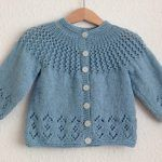 Ravelry: Rosabel Cardigan pattern by Anne Dresow ROSABEL! The name of my child! Baby Knitting Patterns, Baby Cardigan Knitting Pattern, Knitted Baby Cardigan, Knit Baby Sweaters, Knitted Baby Clothes, Knitting For Kids, Lace Knitting, Baby Patterns, Knitting Tutorials