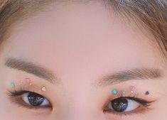 eyes, heart e lq imagem no We Heart It Edgy Makeup, Cute Makeup, Makeup Inspo, Makeup Art, Makeup Inspiration, Makeup Looks, Hair Makeup, Korean Eye Makeup, Asian Makeup