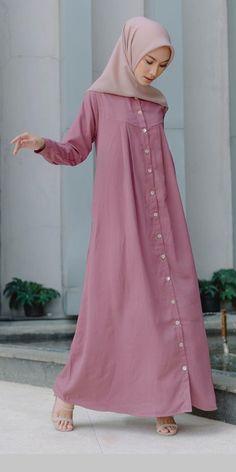 Abaya Fashion, Muslim Fashion, Niqab, Casual Dresses, Casual Outfits, Muslim Beauty, Beautiful Muslim Women, Plain Shirts, Hijab Dress