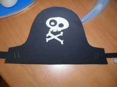cappello pirata Funny Party Games, Pirate Party, Darth Vader, Snoopy, Good Things, Children, Baby, Pirate Theme, Carnival