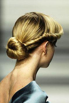 Elie Saab fall 2008 #hair #bun