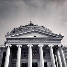Ateneul Roman Bucharest, Roman, Louvre, Black And White, Building, Travel, Viajes, Black N White, Black White