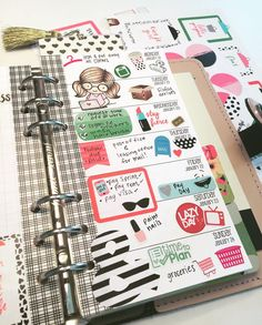 My full week using mostly stickers from @theresetgirl boss lady collection and tried my hand at stamping using @lovecynthia stamps.  #planneraddict #plannerjunkie #plannerstamps #plannernerd #plannerobsessed #stickeraddict #stickerjunkie #filofax by justdarlingplannerlife