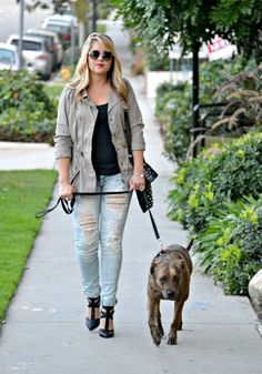 Blogger Danielle of Envision Pretty in a Deb Shops outfit (with a cute pup in tow!)