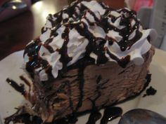 I'm calling it Mac's mud pie because it has nothing to do with Mississippi. Chocolate Mud Cake, Death By Chocolate, Chocolate Recipes, Pie Dessert, Summer Treats, Mud Pie, Cupcake Cakes, Cupcakes, Just Desserts