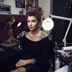 alice perrin - Google Search Alice Perrin Tattoo, Preppy Outfits, Fashion Outfits, Tattoo Fixers, Cute Woman, Woman Crush, Beautiful People, Style Me, Actresses