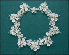 Kronleuchterjuwelen Glasperlenschmuck - Hochzeitscollier mit Blumen (Detailseite…