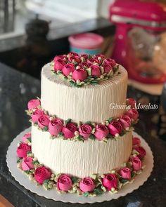 - Cake Decorating tips - Torten Rezepte Cute Cakes, Pretty Cakes, Beautiful Cakes, Amazing Cakes, Cake Decorating Videos, Birthday Cake Decorating, Cake Decorating Techniques, Cake Icing, Buttercream Cake
