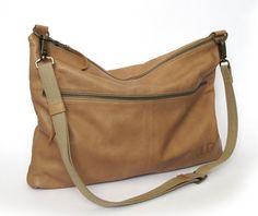 Brown leather bag  leather purse SALE messenger bag  por JUDtlv