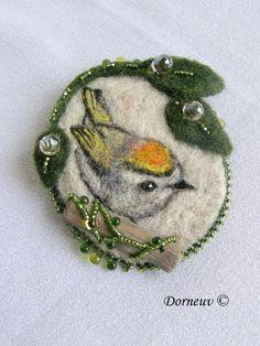 loveliest felt brooch!