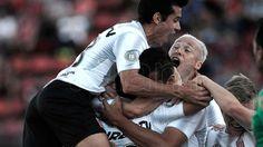 """Desábato: """"Vamos a seguir siendo un equipo competitivo"""" El capitán de Estudiantes de La Plata, Leandro Desábato, confió que su equipo """"seguirá siendo competitivo"""" a pesar de los desprendimientos que suf... http://sientemendoza.com/2017/02/19/desabato-%c2%93vamos-a-seguir-siendo-un-equipo-competitivo%c2%94/"""
