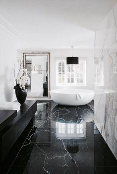 Haus design Spa Badezimmerfliesen Refferal: 7370169240 A Guide To General Femal Bathroom Design Luxury, Home Interior Design, Modern Luxury Bathroom, Modern Bathrooms, Small Bathrooms, Black Marble Bathroom, Black And White Master Bathroom, Black And White Marble, Red Black