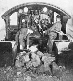 Vintage Trains, Old Trains, Diesel Locomotive, Steam Locomotive, Railroad Pictures, Steam Railway, Railroad Photography, Rolling Stock, Steam Engine