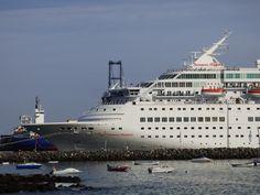 Puerto de Las Palmas. Gran Canaria     : Proa del Thomson Majesty Cruise Ship en Puerto del...