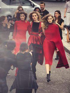 Melina Gesto, Larissa Hofmann & Sanne Vloet for Vogue Spain September 2015 - Page 3   The Fashionography
