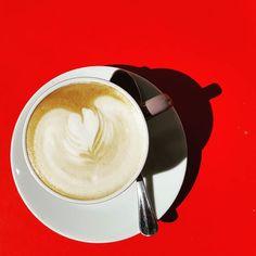 Ga even lekker naar buiten... Koffiepauze  #nazomer #mooiweer #september #tropischetemperaturen #cappuccino #cappuccinotime #koffietje #koffietijd #mykaffee #coffeeshots #baristalife #myespressocoffee #insta_coffee #allsmileshere #fika