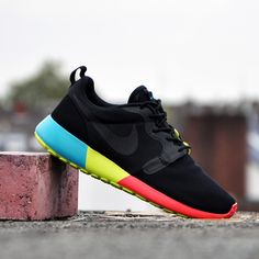 Nike Roshe Run Hyperfuse   Black/Black Turbo Green Venom Green | Detailed Look