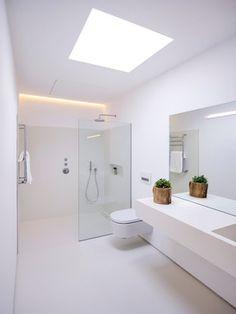 Bathroom Tub: The Complete Guide to Choosing Your Bathroom - Home Fashion Trend Bathroom Design Luxury, Bathroom Layout, Modern Bathroom Design, Home Interior Design, Small Bathroom, Marble Interior, Bathroom Green, Downstairs Bathroom, Bathroom Design Inspiration
