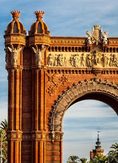 Arc de Triomf, Barcelona, Spain (by MariusRoman)