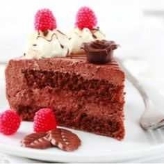 The best dessert recipes to prepare on any occasion, surprise your family, friends or partner with these exquisite recipes that you will love, from a chocolate fondant to a delicious strawberry cheesecake. Great Desserts, Best Dessert Recipes, Sweet Recipes, Chocolate Fondant, Melting Chocolate, Cake Cover, Sandwiches, Sin Gluten, Raspberry