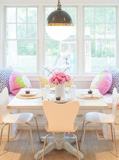 Contemporary breakfast nook is fitted with a built in banquette window seat with storage drawers . Dining Nook, Dining Room Design, Banquette Dining, Dining Set, Window Seat Storage, Window Seats, Bay Window, Sweet Home, Square Tables