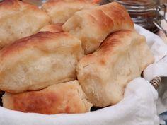 Yeast Dinner Rolls Recipe, Easy Yeast Rolls, Homemade Dinner Rolls, Homemade Breads, Recipe For Homemade Yeast Rolls, Easy Rolls, Butter Roll, Divas Can Cook, Baked Rolls