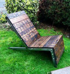 erholung sommer DIY Möbel aus alten Paletten dunkel bemalt liege
