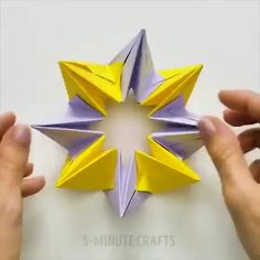 100 Origami Butterflies Origami is a superb undertaking to make use of your extra time as well as make useful … Diy Origami, 3d Origami Tutorial, Geometric Origami, How To Make Origami, Paper Crafts Origami, Modular Origami, Useful Origami, Paper Flower Tutorial, Paper Crafts For Kids