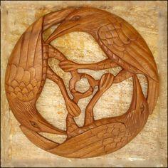 Celtic Three Ravens - Celtic, Viking and Lamp Woodcraft Carvings Crow Art, Raven Art, Bird Art, The Raven, Celtic Raven, Celtic Art, Celtic Crafts, Viking Raven, Celtic Shield
