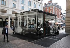 Fiat 500C by Gucci in Covent Garden, London, during the 2011 European Tour. http://www.fiat500bygucci.com