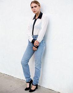 look calça jeans camisa preto branco