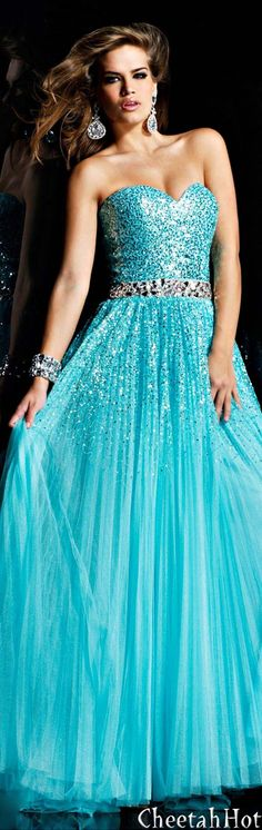 Long, blue, sparkly dress... I'm not big on sparkles but YES!! PLEASE I WANT THIS DRESS FOR PROM!! (With straps of course)