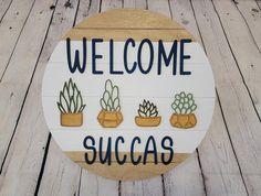 Funny Door Signs, Diy Signs, Funny Welcome Signs, Diy Wood Projects, Wood Crafts, Diy Crafts, 3d Laser, Wooden Door Signs, Fall Door Hangers