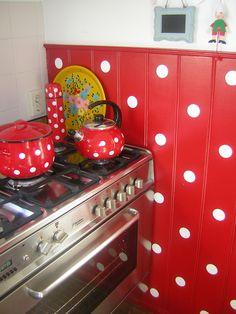 My kitchen !! Polkadots red !!