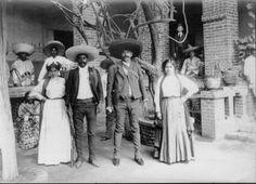 Antiguo México, Somos como Tú: #Hermanos  Imagen: Emiliano y Eufemio Zapata Salazar (© Hugo Brehme)  La #Revolución #Mexicana