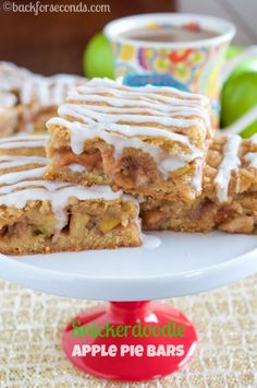 Snickerdoodle Apple Pie Bars--looks complicated, but easy! Apple and sweet spices, perfect fall favors Apple Pie Recipes, Apple Desserts, Desserts To Make, Brownie Recipes, Baking Recipes, Sweet Recipes, Cookie Recipes, Fall Dessert Recipes, Fall Desserts