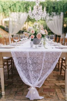 Long white lace table runners add a classy and delicate touch to your garden wedding table decor. Elegant Wedding, Rustic Wedding, Vintage Crockery, Vintage Table, Maui Weddings, Destination Weddings, Summer Weddings, Hawaii Wedding, Vintage Lace Weddings
