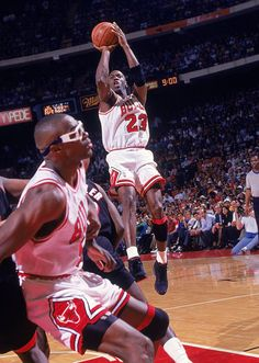 Get your Chicago Bulls gear today Basketball Posters, Basketball Pictures, Basketball Legends, Sports Pictures, Nba Basketball, Nba Sports, Michael Jordan Pictures, Michael Jordan Photos, Charlotte Hornets
