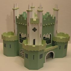 Tektonten Papercraft - Free Papercraft, Paper Models and Paper Toys: Papercraft Castle 3d Paper Crafts, Cardboard Crafts, Paper Toys, Paper Art, Silhouette Projects, Silhouette Cameo, Castle Crafts, Cardboard Castle, Wooden Castle